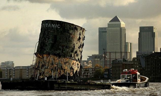 titanik2 Рекламная буксировка